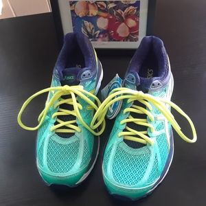 NET Asics Gel Cushioned Fluid Ride Shoe